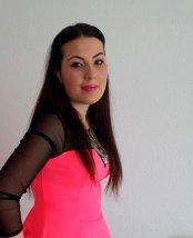 Frau Deniz Demirci
