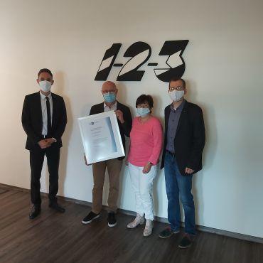 Urkunde zum 30-jährigen Firmenjubiläum